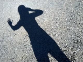 Saluto la mia ombra con un selfie