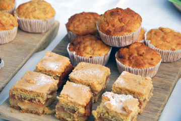 Small apple cakes