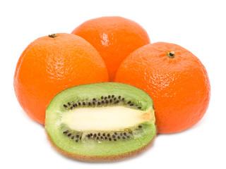 kiwi and mandarines