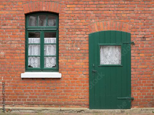 canvas print picture Hausdetail in grün und rot