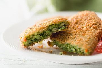 Spinach croquettes with cheese and spices