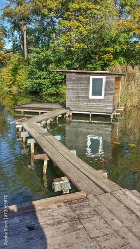 canvas print picture Ein Wochenendhaus am See