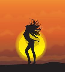 девушка на фоне заката