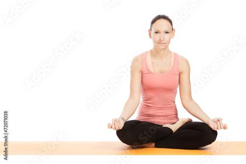 canvas print picture Yogahaltung padmasana vor weißem Hintergrund