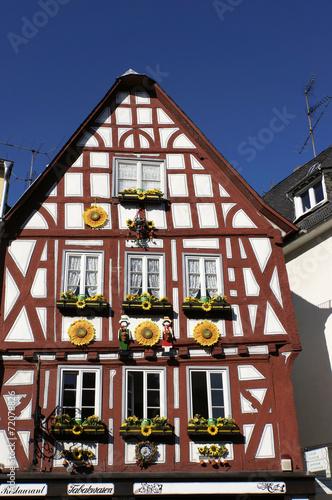 canvas print picture Fachwerkhäuser in der historischen Altstadt