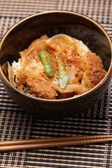 カツ丼 箸あり