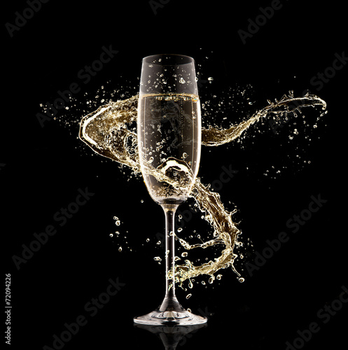 Champagne glass with splash - 72094226