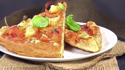 Rotating Ham and Pineapple Pizza (loopable)