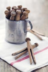 Wooden vintage clothespins1