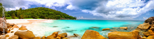 Fotobehang Eiland Anse Georgette beach panorama in Praslin Island, Seychelles