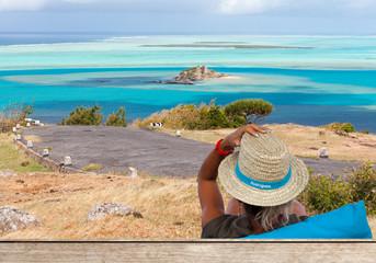 point de vue sur l'île Hermitage et le lagon rodriguais