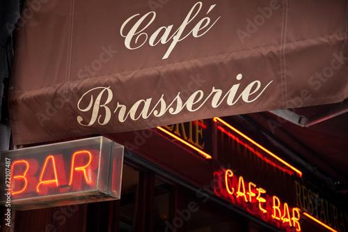 Cafe - Bar in Paris - Frankreich - 72107487
