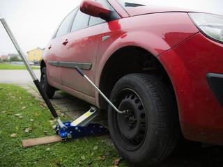 Reifenwechseln - Winterreifenpflicht / Sommerreifen montage