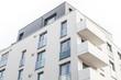 Wohnhaus - Gebäude mit Balkon