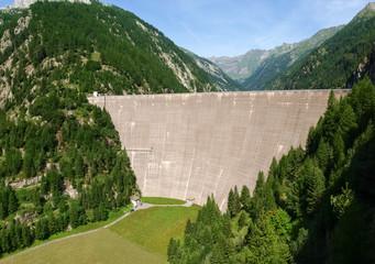 Fusio Vallemaggia, dam of elder