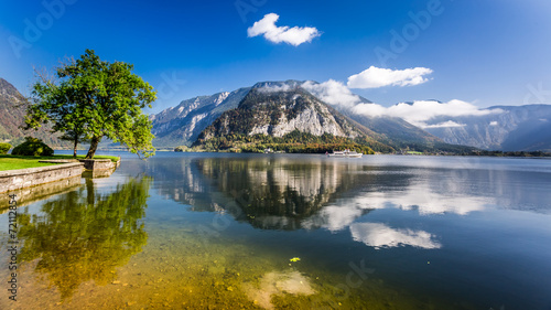 Pleasure boat on a mountain lake in Hallstatt - 72112854
