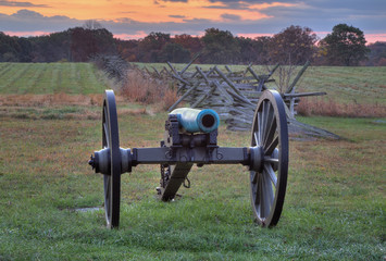 Artillery near fence line in Gettysburg National Military Park