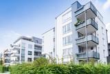 Fototapety Haus und Bäume - Neubau