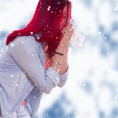 Erkältung erwischt - niesen, Nase schnauben