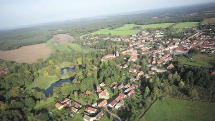 Flug über das Schloss Wiesenburg - Fläming