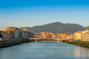 Ponte Solferino, lungarni di Pisa