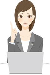 法律関係の仕事をする女性 ポイント