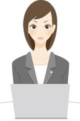 法律関係の仕事をする女性 指摘