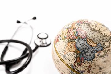 地球儀と聴診器 アジア