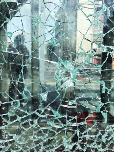 canvas print picture Glasbruch in Glasscheibe
