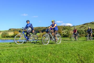 Rentner machen Radtour