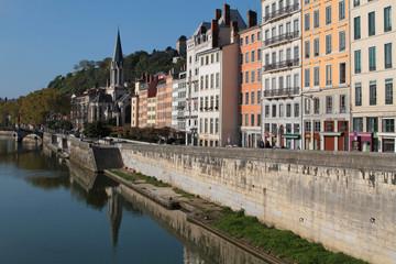 Quai de Saône et Eglise Saint Georges à Lyon