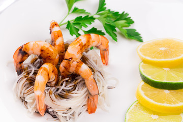 Fresh shrimps with spaghetti.
