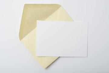 Sobre y tarjeta