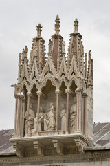 Pisa Camposanto cemetery roof sculptures