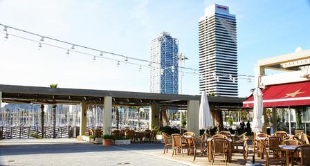 Bares y terrazas en el puerto olímpico, Barcelona