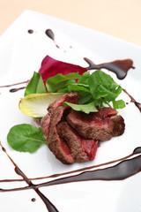 コース料理のビーフステーキ イメージ