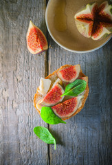 Sandwich with soft cheese and figs