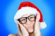 Lustiger Weihnachtsmann mit Horn-Brille
