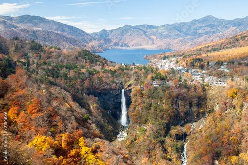秋の華厳の滝と中禅寺湖