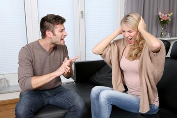Paar beim Streit