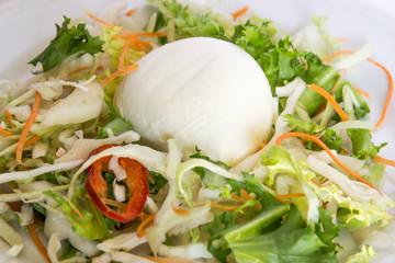 Mozzarella ed insalata