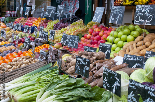 Tuinposter Boodschappen Fresh fruit and vegetables on market