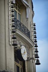 Reloj y campanas