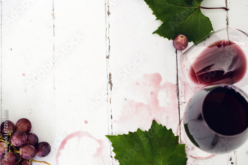 Red wine on the tabble