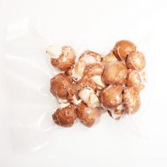 Champignons in Folie verschweißt
