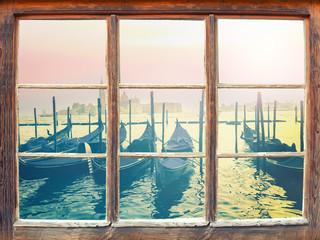 Blick durchs Fenster - Venedig