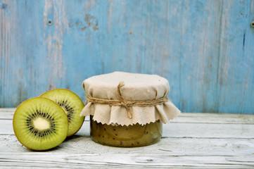 Selbstgemachte Kiwi-Marmelade