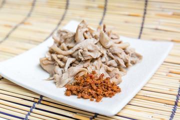 steamed mushrooms
