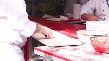 Preparando una pizza