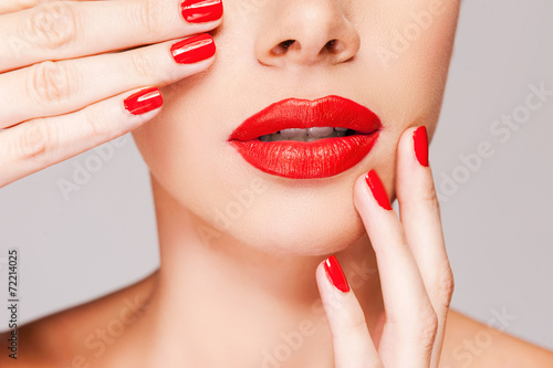 canvas print picture Make your lips match your fingers.